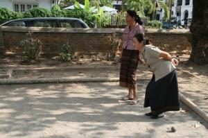 LAOS-luang-prabang-petanque-ecole