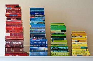 Book - Color Histogram - foto di Patrick Gage via Flickr
